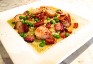 Seared ScallopsSeared Scallops / Pea Risotto / Crispy Bacon / Mint Oil